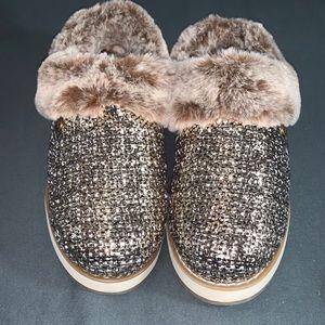 Skechers BOBS Knit Faux Fur Rose Gold Clog Slipper